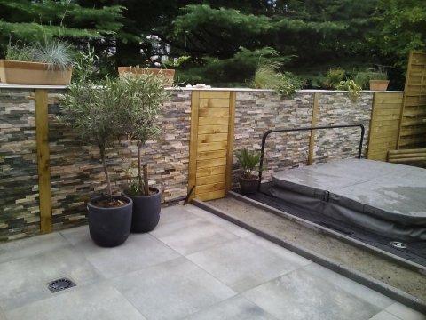 Professionnel pour l'aménagement extérieur d'un jardin
